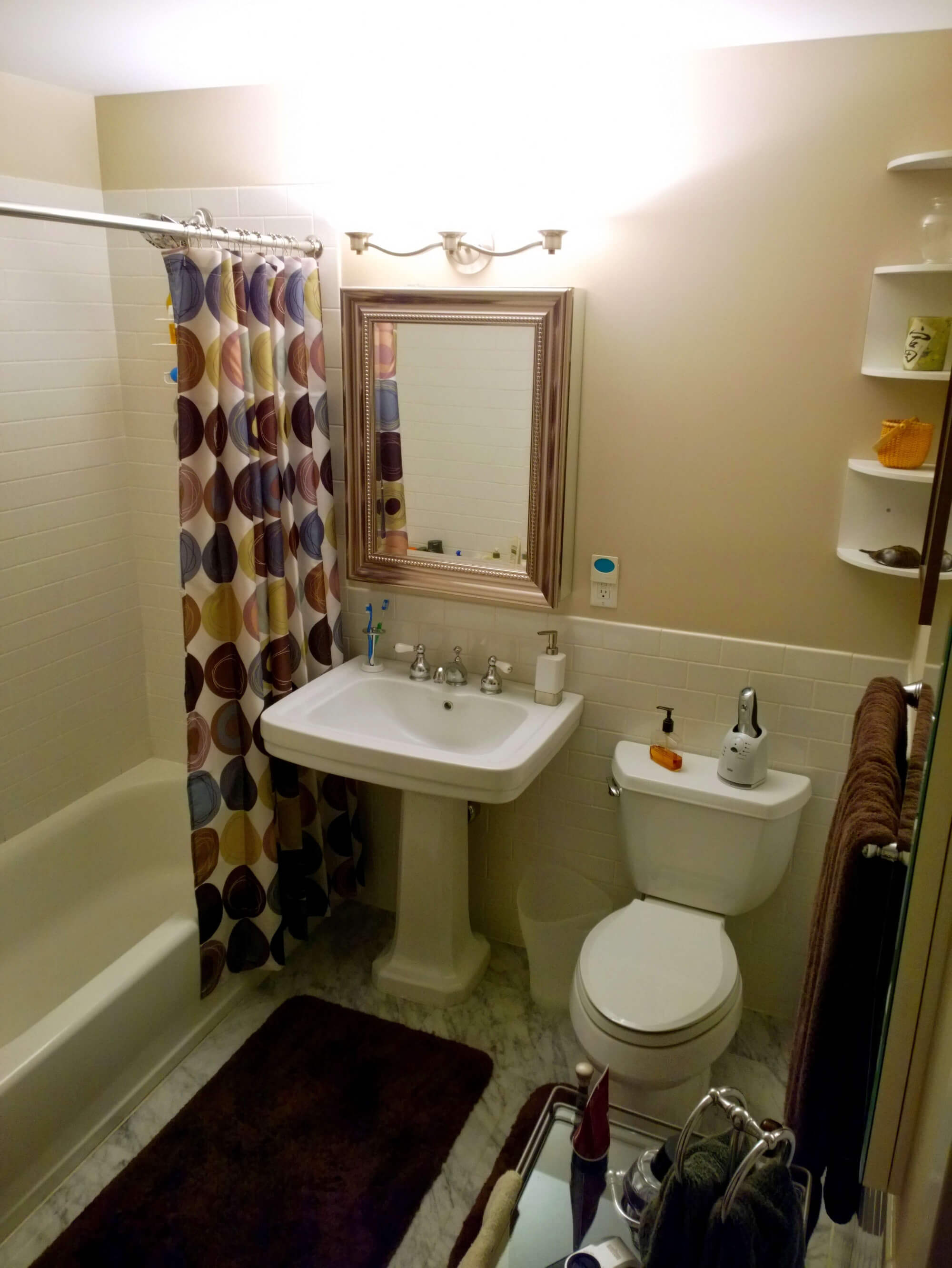 jersey-city-apartment-remodel-before-remodel-bathroom