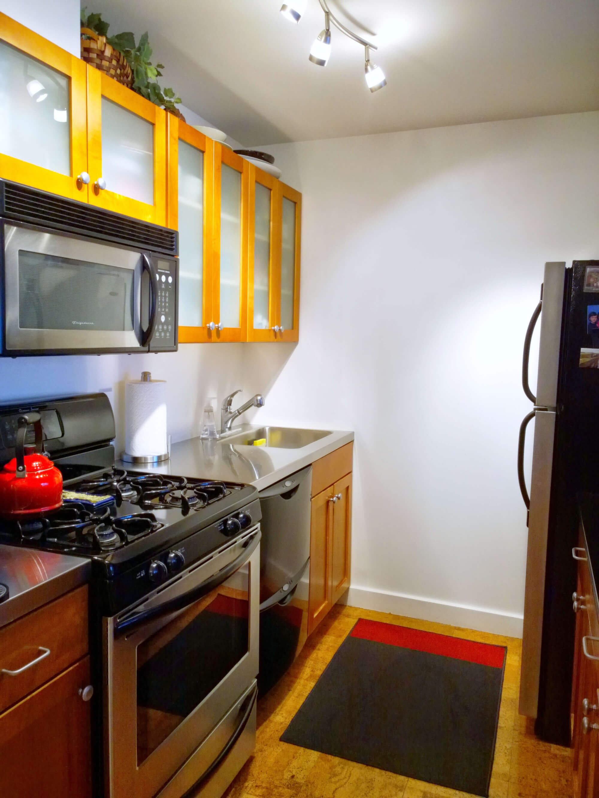 jersey-city-apartment-remodel-before-remodel-kitchen